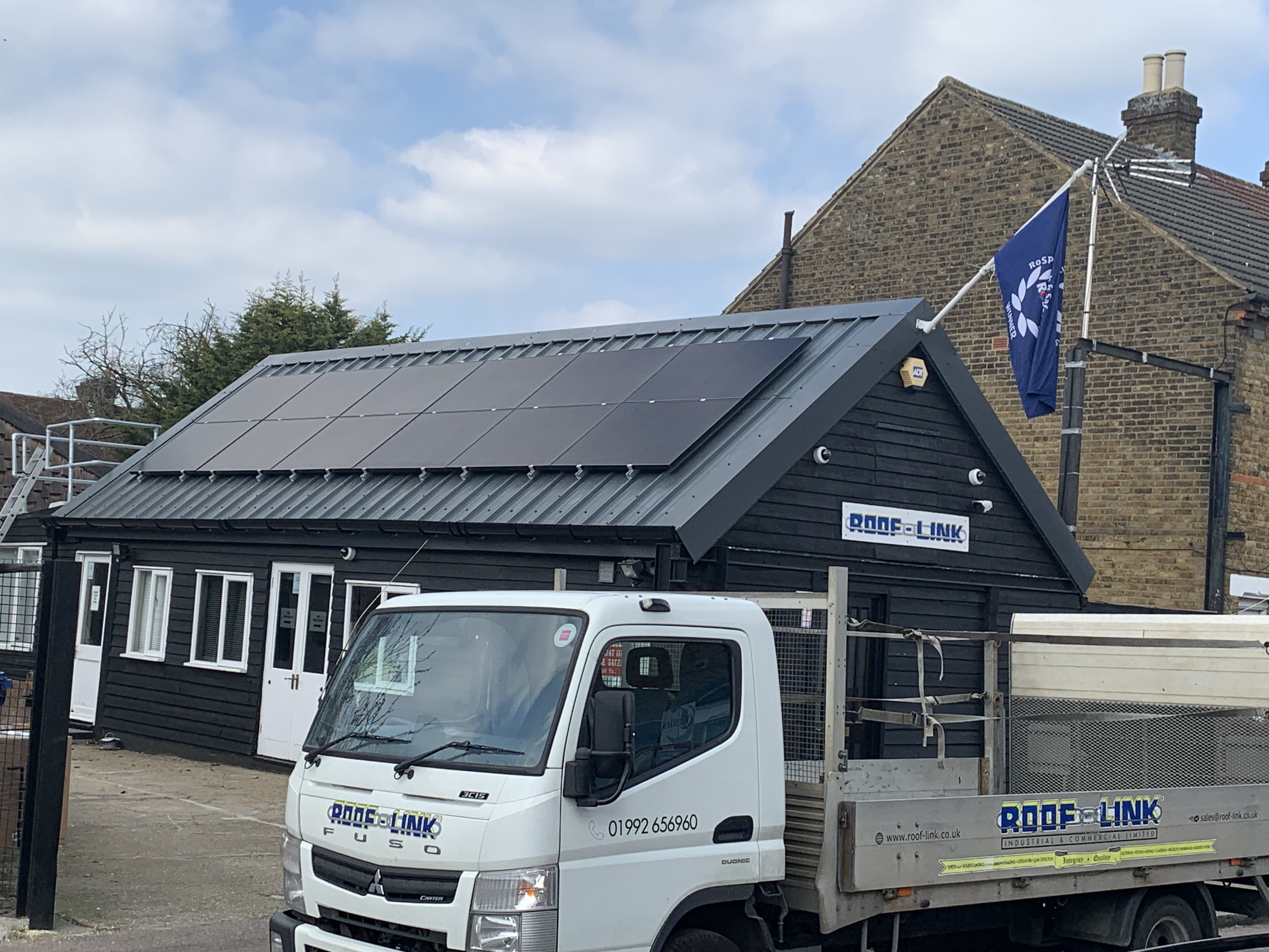 Solar Panels/Tesla Powerwall/Air Source Heat Pump     Roof Link